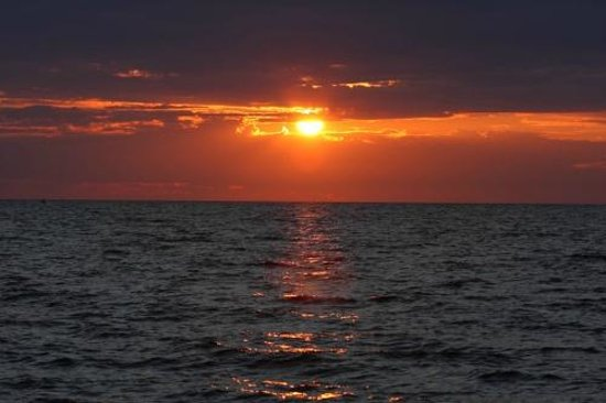 Fair Haven State Park Campground: Sunset over Lake Ontario