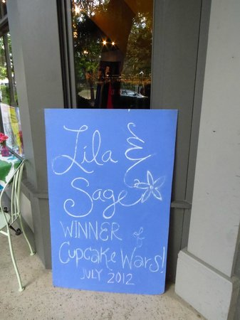 Lila & Sage Cake & Catering Co: Winner of the cupcake war!