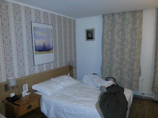 Hotel Du Moulin: Quarto