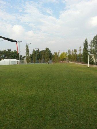 Vincci Valdecanas Golf Hotel: campo de futbol