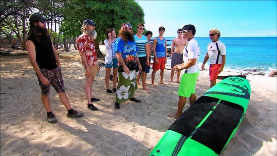 Duck Dynasty - Sadie Robertson Paddling out to SURF ...