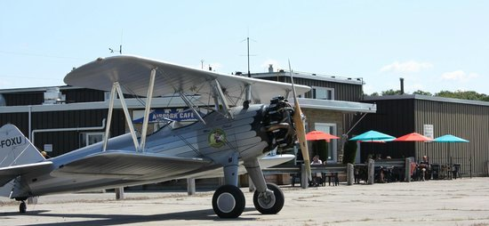 Guelph Airpark : A beautifully restored Stearman flies in for lunch on the patio