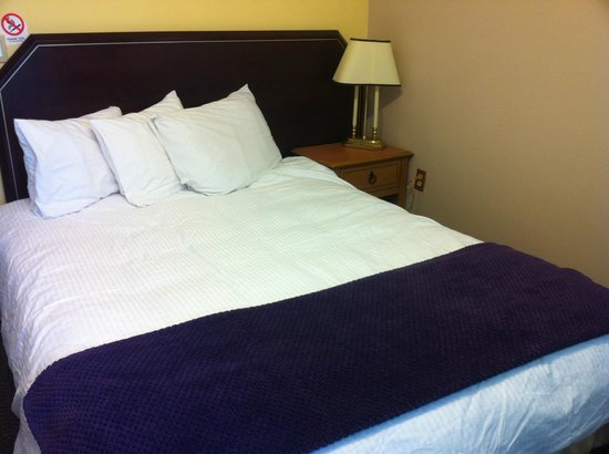 Three Diamond Inn: one double bed