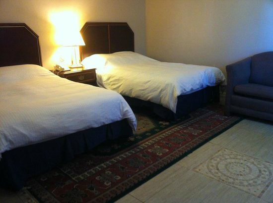 Three Diamond Inn: two beds