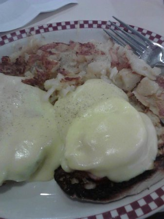 Ambrosia Diner: eggs Benedict with homefries