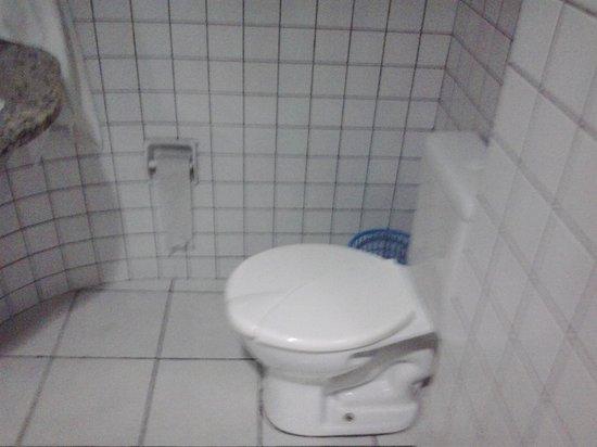 Hotel Don Juan: Sanitário