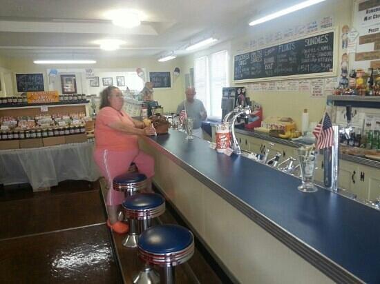 Emery's Ice Cream: Old-school soda fountain