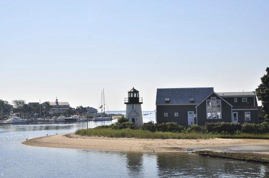 SeaCoast Inn: Hyannis Lighthouse