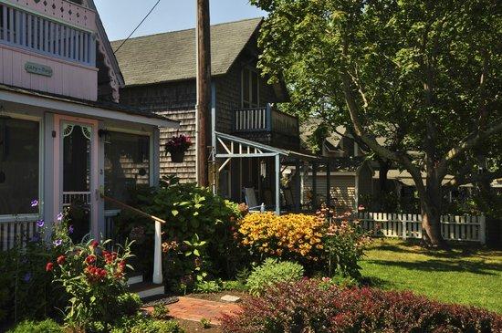 SeaCoast Inn: Gingerbread House at Martha's Vineyard