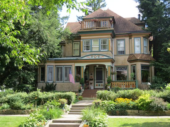 Viroqua Heritage Inn: Eckhard House Bed & Breakfast