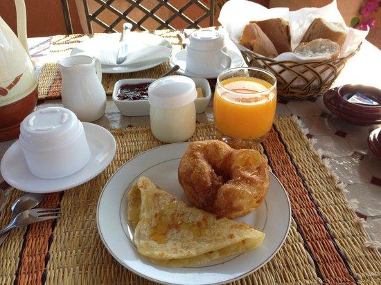 Riad Amira Victoria: Breakfast