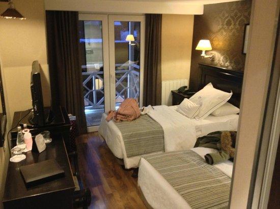 Lennox Hotels Ushuaia: Quarto duplo com vista para a avenida san martin