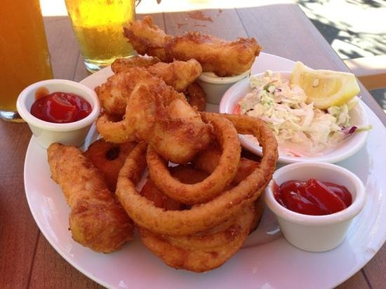 Lumberyard Rotisserie and Grill: fish and onion rings