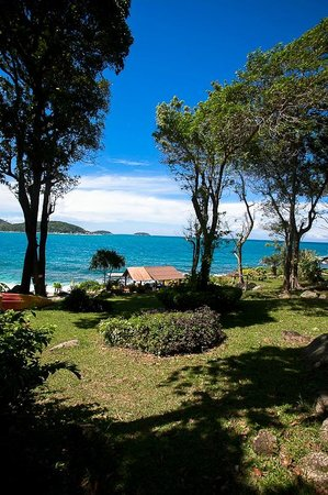 Baan Krating Phuket Resort: Overlooking Beach Area
