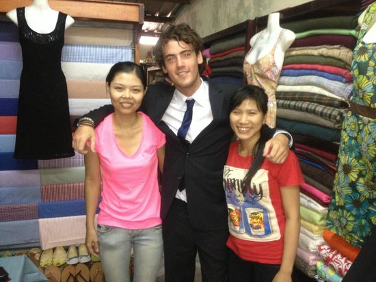 Tu Nhi Tailor Shop