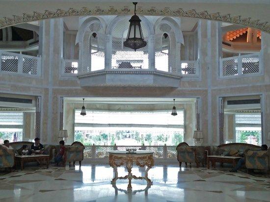 Orient Taj: Marble and chintz lobby area