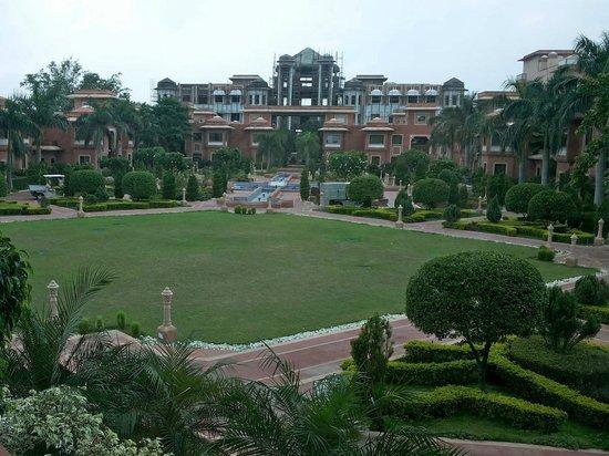Orient Taj: Central green quadrangle.