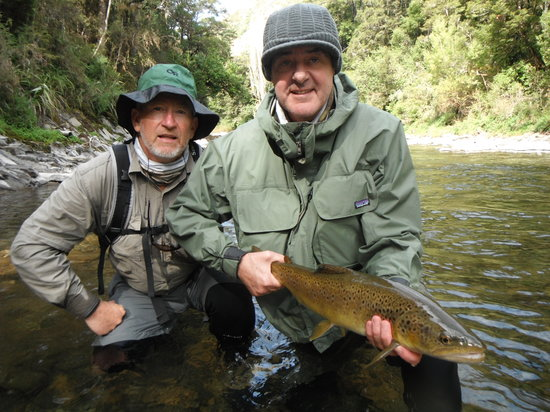 River Haven Lodge: Ollie & Jeff of S. Africa
