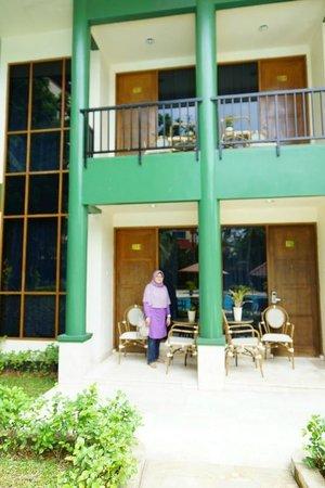 Hotel Sahid Jaya Lippo Cikarang: my room in front of swiminngpool