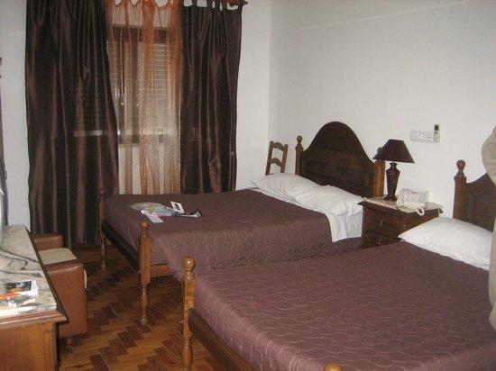 Pensao Residencial Domus : room
