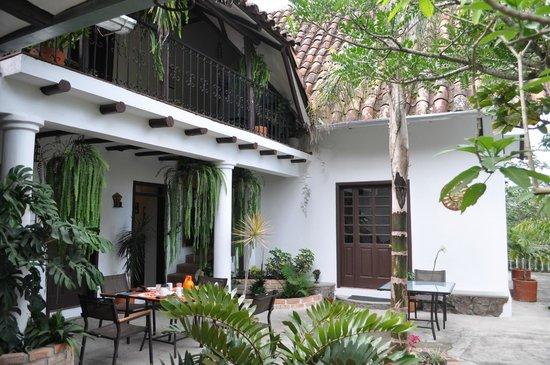 Santuario Hibiscus: Courtyard
