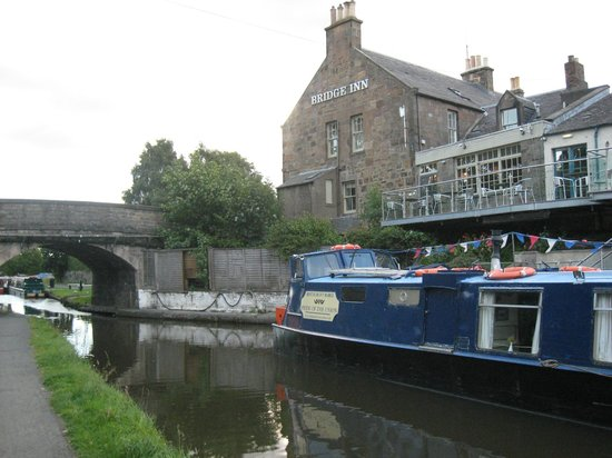 The Bridge Inn at Ratho : It really is this attractive!