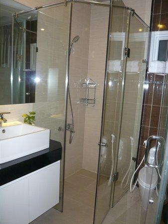 Yellow House Saigon Hotel: toilet