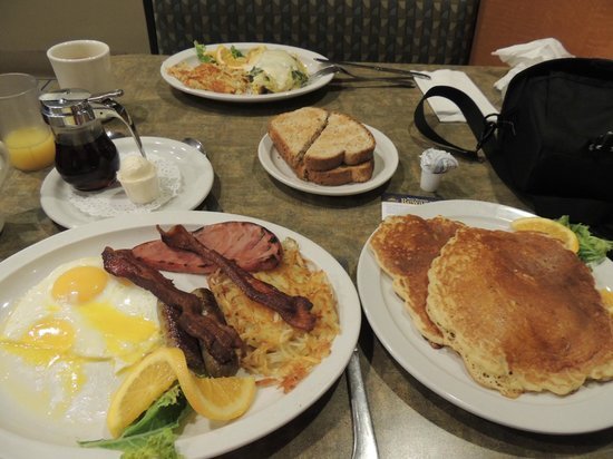 Juicy's Famous River Cafe: Breakfast