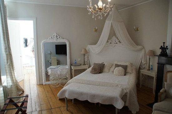 La chambre la beffroi picture of bienvenue chez nous bergues tripadvisor - Chambre d hote bienvenue chez nous ...