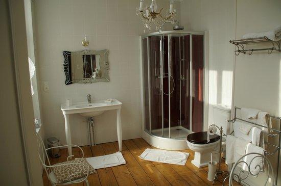 Salle de bains photo de bienvenue chez nous bergues - Chambre d hote dans l oise bienvenue chez nous ...