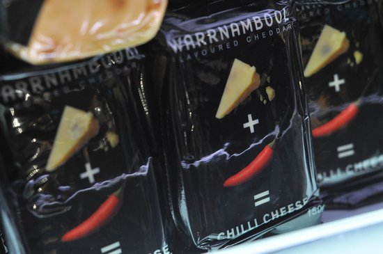 Allansford Cheese World and Museum: Warrnambool chili cheese - part of the cheese tasting selection