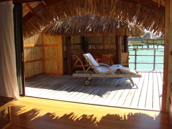 Le Taha'a Island Resort & Spa : Le coin terrasse