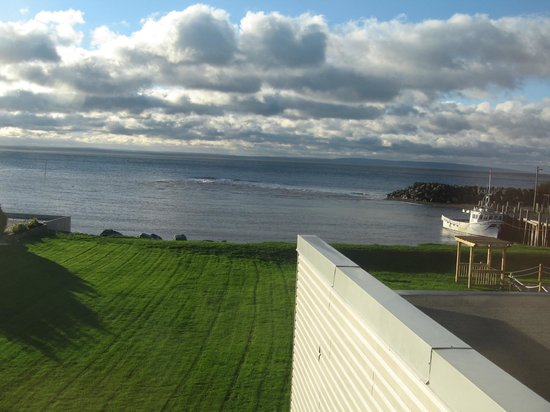 Parkland Village Inn: Fundy Bay.