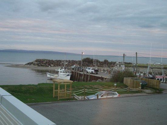Parkland Village Inn: Fundy Bay on horizon.
