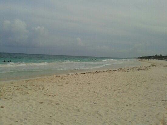 Ana y Jose Beach Club: playa