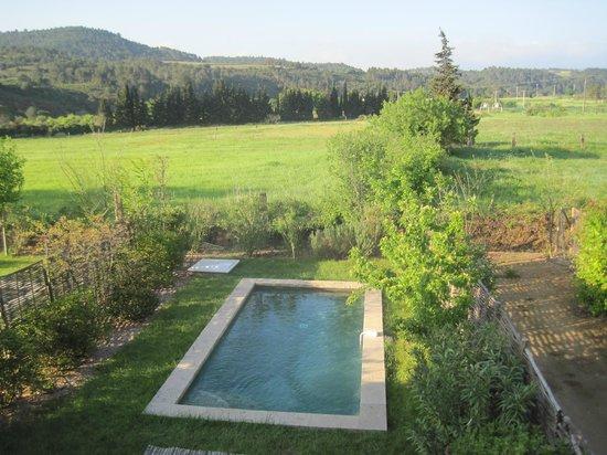 Jardins de Saint-Benoit: Piscine privée maison vigneronne
