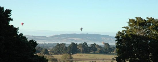 Hoeke Lodge: View from the rooms over the Waurarapa