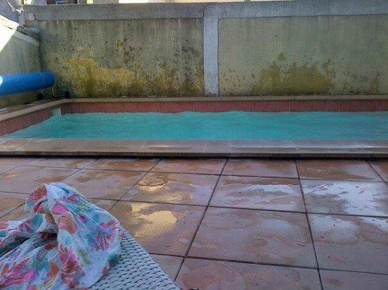 Les Arcades: piscine