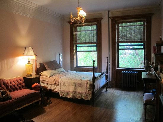The Harlem Flophouse: beautiful room