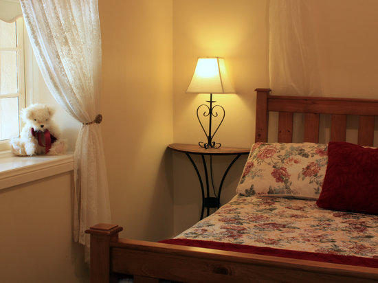 Greenock's Old Telegraph Station: Bedroom 2
