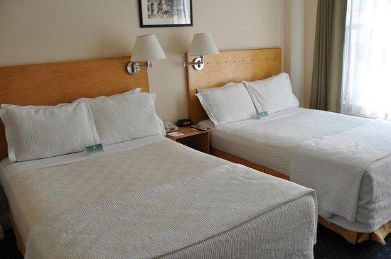 Hotel Stratford: Camera con doppio queen