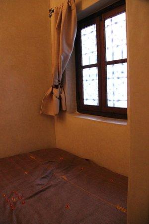 Riad Alena : fenêtre chambre