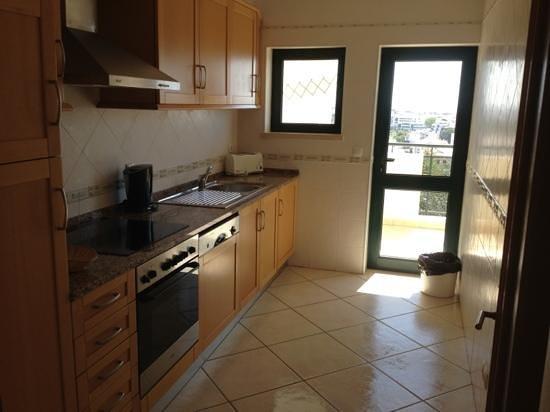 Cerro Mar Atlantico Touristic Apartments: kitchen 507