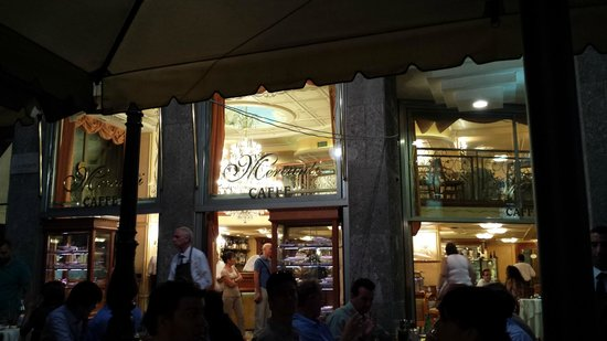 Mercanti Cafe: From outside