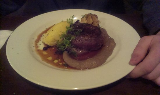 Waterside Restaurant & Bar: Steak