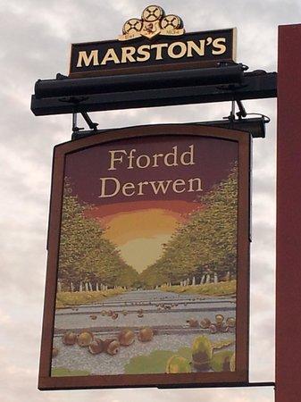 Ffordd Derwen