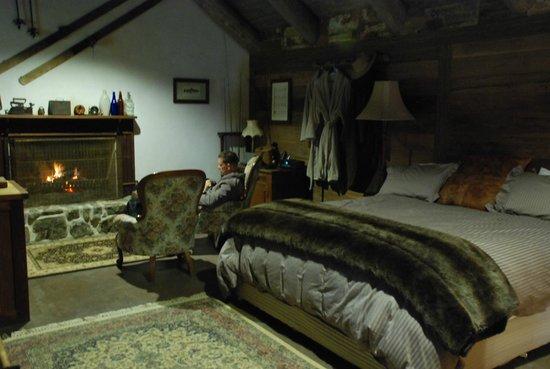 Moonbah Hut: Inside