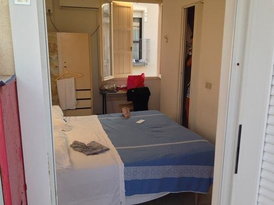 Hotel Gigliola : l'enorme camera...
