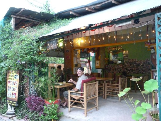 La terrasse abritée. - Picture of Nature\'s Way, Chiang Mai - TripAdvisor