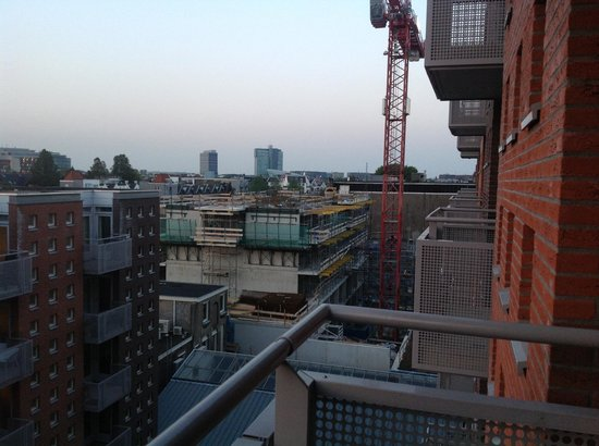 De Lastage Apartments: Construction site next door